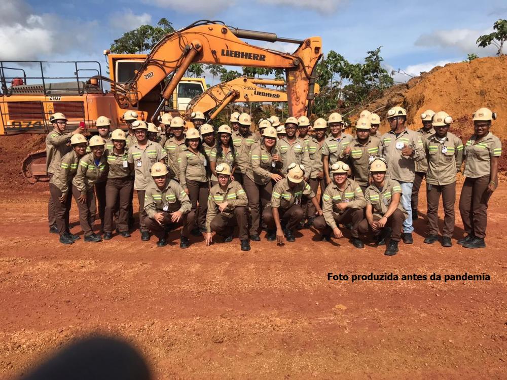Jovens aprendizes iniciam atividades na maior produtora de bauxita do Brasil