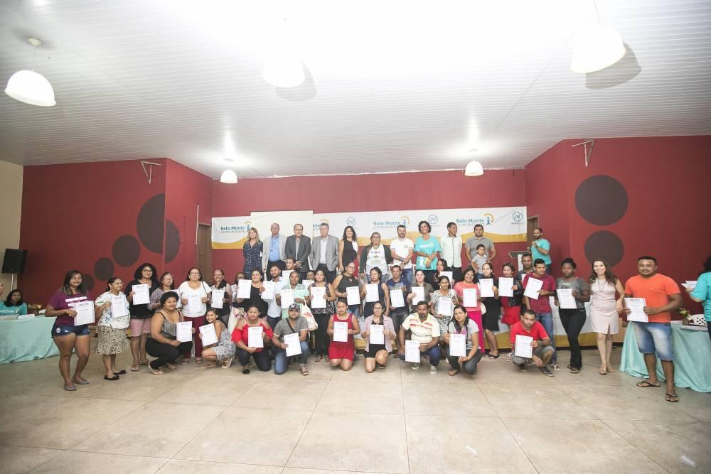 Projeto Belo Monte Comunidade certifica moradores de Altamira