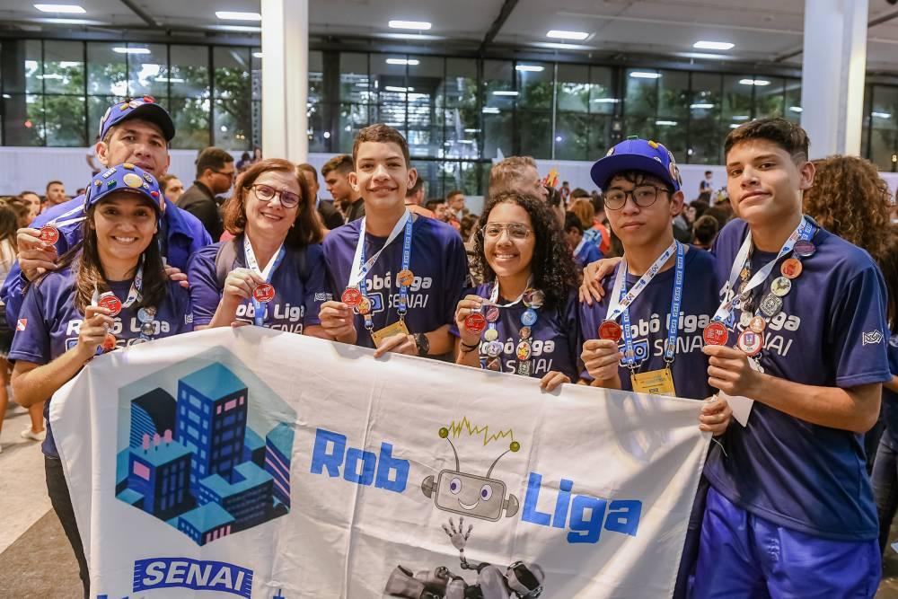 Primeira equipe de robótica do SENAI participa de festival nacional