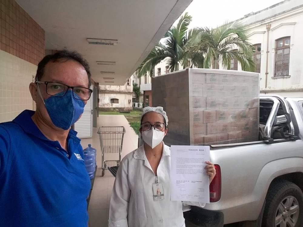 Sistema FIEPA e Sococo doam água de coco a instituições de saúde