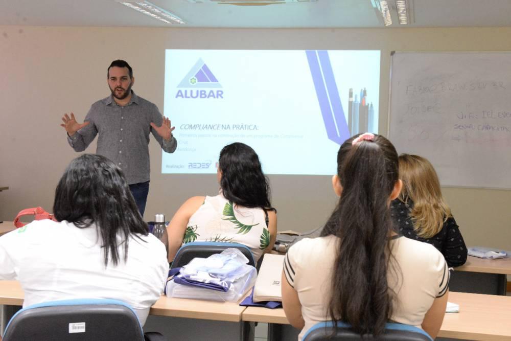 Empresas contribuem para formação de fornecedores