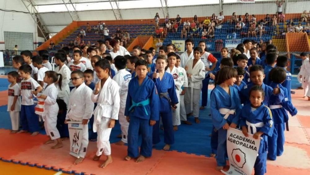 Alunos de judô participam da Copa SESI Atleta do Futuro