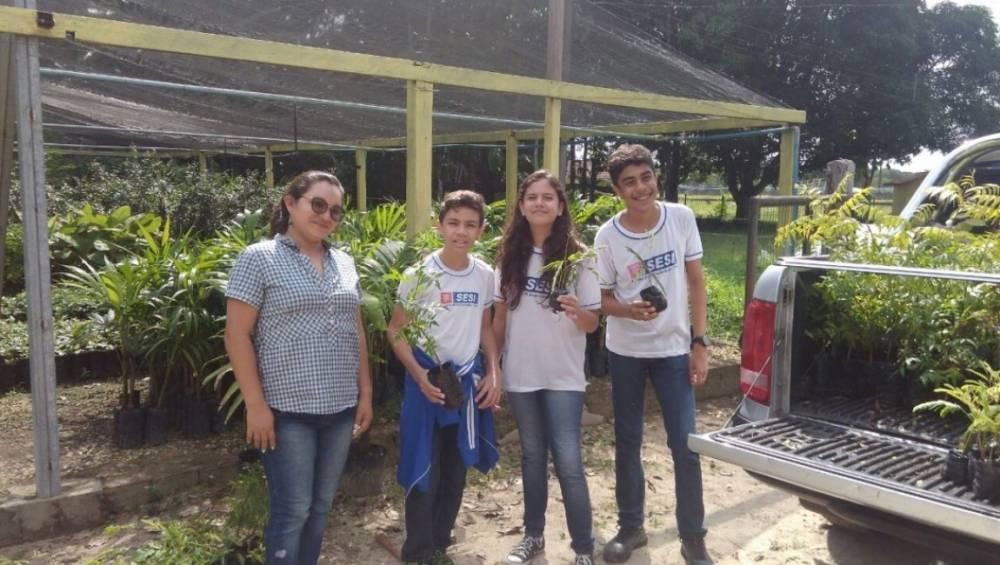 Alunos da escola SESI Ananindeua promovem doação de mudas