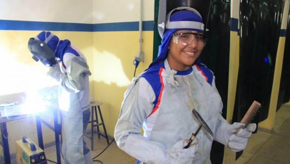 Mais de 90% dos brasileiros aprovam atuação de SESI e SENAI