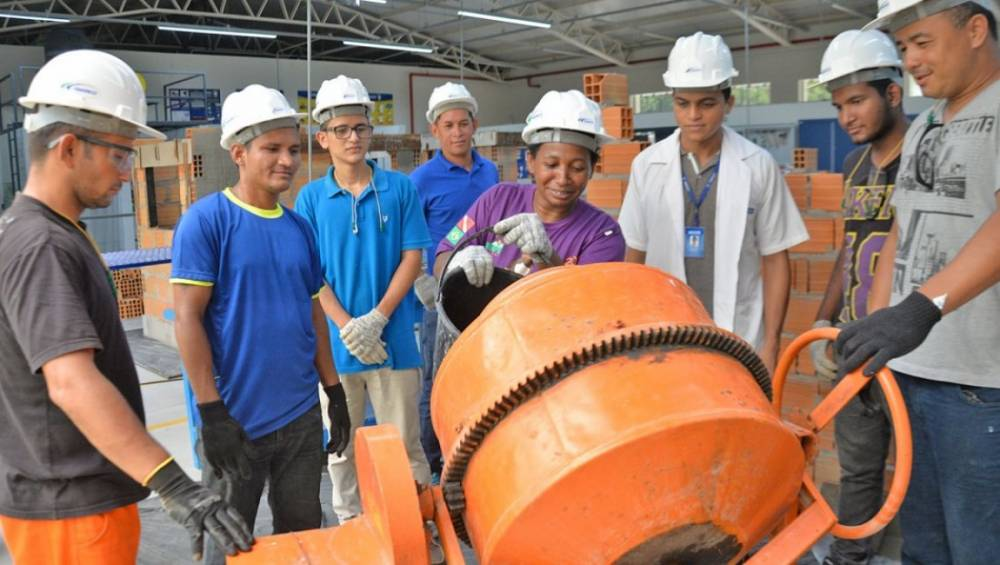 Projeto oferta capacitação profissional para moradores do Guamá e Terra Firme