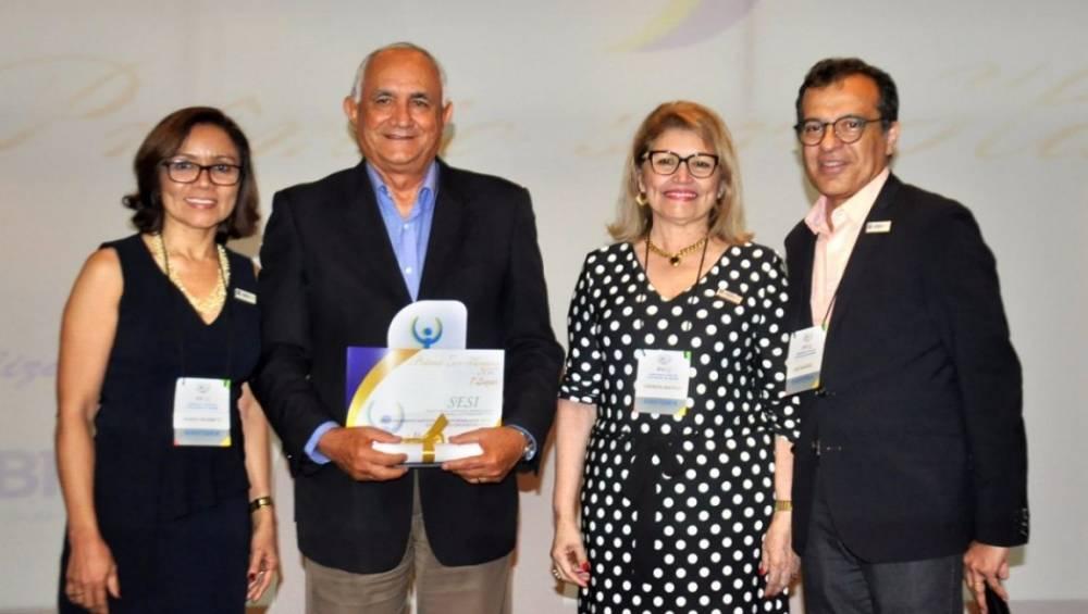 Escola SESI Ananindeua recebe prêmio da ABRH