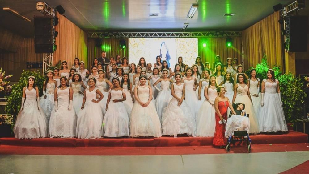 O Baile de Debutantes do SESI foi marcado por muita emoção e alegria