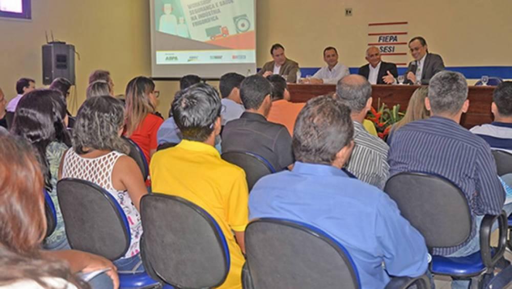 Saúde e segurança no setor frigorífico é tema de workshop em Castanhal