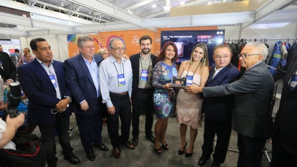 Prêmio Sindusroupa reconhece empresa do setor de confecção