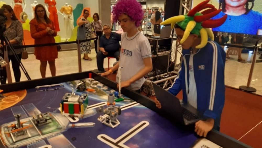Exposição SESI de robótica atraiu as atenções em shopping de Belém