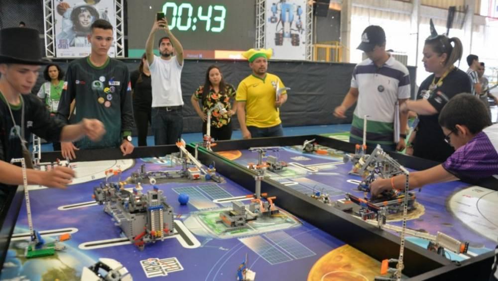 SESI Pará faz prévia do Torneio de Robótica no Shopping Bosque Grão-Pará