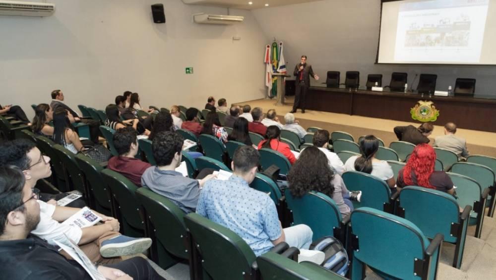 Diretor do SESI SENAI/PA realiza palestra sobre Indústria 4.0, em Manaus
