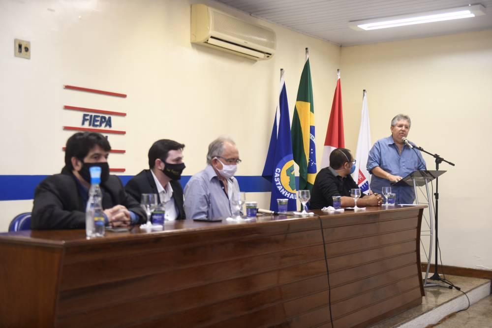 Sistema FIEPA e ACIC assinam convênio para oferecer cursos e serviços para trabalhadores da indústria